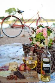 Wine Picnic Baskets Best 25 Beach Style Picnic Baskets Ideas On Pinterest Bicycle