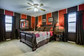 high accessoires de chambre traditional master bedroom with carpet high ceiling in
