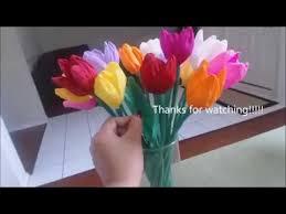 cara membuat bunga dengan kertas hias cara membuat bunga tulip dari kertas krep yang unik youtube