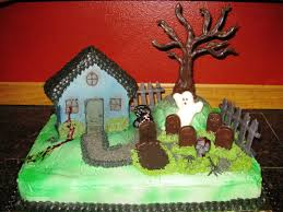 halloween haunted house confectionate cakes