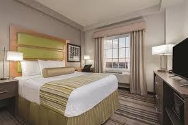 la quinta 2 bedroom suites la quinta inn suites brooklyn east brooklyn book day rooms