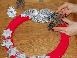 christmas wreaths to make diy christmas wreaths from scratch stylefrizz