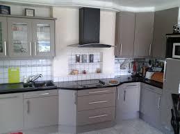 changer poignee meuble cuisine beau changer poignee meuble cuisine avec ranovation porte de cuisine