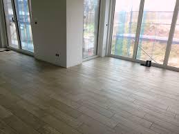 Moderne Wohnzimmer Fliesen Wohnzimmer Bodenfliesen U2013 Abomaheber Info