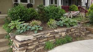 fabulous rock endure for small front yard landscaping with green