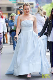 hilary duff wedding dress hilary duff has a cinderella story moment on younger set