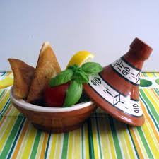 cuisiner la feuille de brick triangles de feuilles de brick poulet courgette féta et menthe