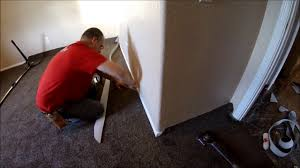 How To Carpet A Room How To Power Stretch A Room Of Carpet Youtube