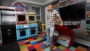 gaming fanatic dumped by fiancée after he builds arcade in their
