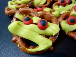diary of a mad hausfrau pretzel mummy munchies for a halloween snack