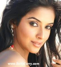 asin wants to do only commercial movies 24398