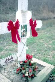 roadside memorial crosses louisiana roadside memorials negotiating an emerging tradition