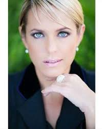 nichole on days of our lives with short haircut arianne zucker nicole walker on days of our lives days of our