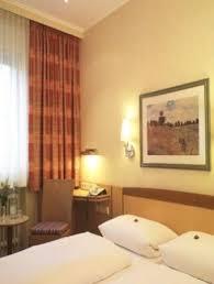hotel hauser munich compare deals hotel hauser an der universitaet munich germany reviews photos