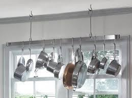 barre de rangement cuisine aménagement cuisine le guide ultime cuisine poêle