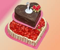 hochzeitstorte erdbeeren bäckerei krützk exklusive hochzeitstorten