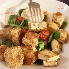 cuisiner le tofu nature tofu aux herbes et graines de sésame et salade folle mais pourquoi
