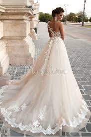 robe de mariã e princesse dentelle robe de mariée romantique en tulle avec dentelle à encolure