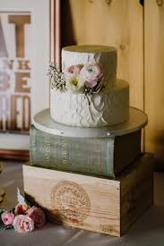 Wedding Cake Ideas Rustic An Intimate Outdoor Wedding Full Of Romance U0026 Diy Details Chic