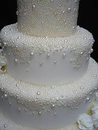best 25 wedding bubbles ideas best 25 pearl wedding cakes ideas on pearl cake