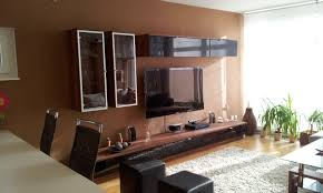braun wohnzimmer nuancen trendiges wohnzimmer in braun ledersofa rund kunst