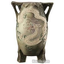Japanese Dragon Vase Antique Dragonware Pottery U0026 Porcelain Price Guide Antiques