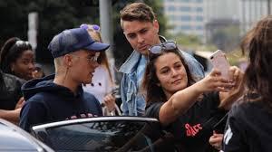 Seeking Melbourne Pissed Justin Bieber Tell A Selfie Seeking Melbourne Fan