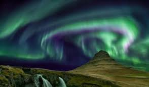 Best Time To See The Northern Lights In Iceland Why You Should See The Northern Lights In 2017 Black Tomato