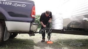 comment attacher un si e auto comment bien attacher votre roulotte sur votre voiture