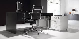 bureau noir et blanc bureau noir excellent amnagement bureau ikea source bureau noir et