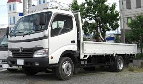 suzuki carry truck vs toyota dyna truck used truck comparison review