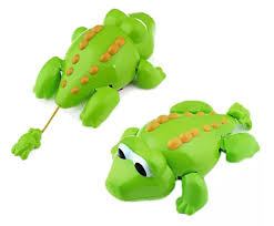 amazon com swimming alligator floating bathtub bath toy for kids