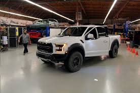 Ford Raptor Top Speed - 7 cool facts about the 2017 ford f 150 raptor motor trend