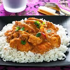 comment cuisiner le blanc de poulet recette riz blanc à la sauce au poulet et curry
