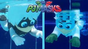pj masks villain luna toy shows pool