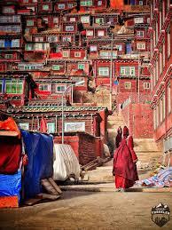 Tibetan Home Decor Larung Gar Home To 40 000 Monks And Nuns Red Houses Tibet And