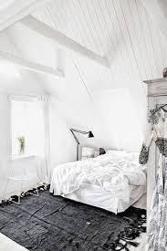 chambre avec lambris blanc 12 chambres sous combles qui donnent des idées déco lambris blanc