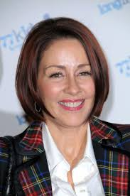 top 25 best patricia heaton ideas on pinterest choppy pixie cut