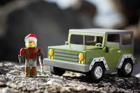 zombie survival truck amazon com roblox apocalypse rising vehicle toys u0026 games