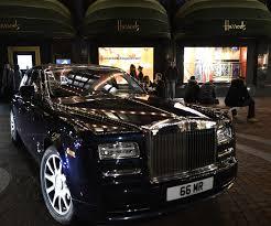 rolls royce supercar london spercar spotting blue rolls royce phantom in the night in