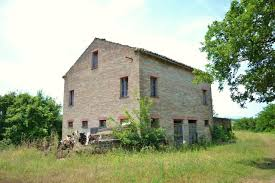 farm house with land for sale in montottone le marche moulin