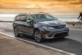 2018 chrysler pacifica minivan pricing for sale edmunds