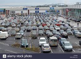 free car parking facilities at lakeside retail park shopping