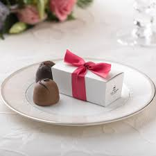 boxes for wedding favors wedding truffle favors personalized chocolate wedding favor boxes