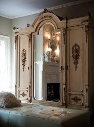 chambre avec miroir comment décorer avec le grand miroir ancien idées en photos