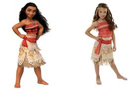 mom warns that u0027s moana halloween costume could be seen as