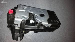 problema senzor inchidere usa spate dreapta
