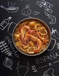 cuisine pates pâtes fideuàs espagnoles pour 6 personnes recettes à table
