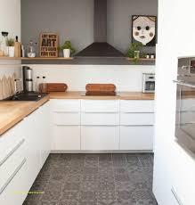 cuisine blanche carrelage gris cuisine blanche et bois carrelage pour carrelage salle de bain