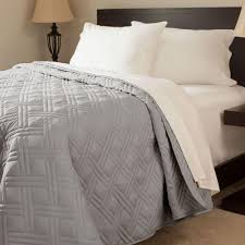 lavish home solid color silver full queen bed quilt 66 40 fq s